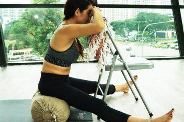 Seated_angle_yoga_katherine_sng