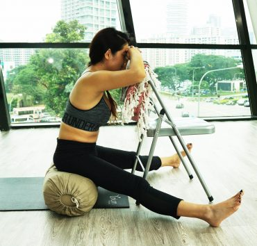 Seated_angle_yoga_katherine_sng