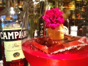 Regent Singapore, A Four Seasons Hotel_Manhattan_Negroni Week 2016_Sbagliato Rosa