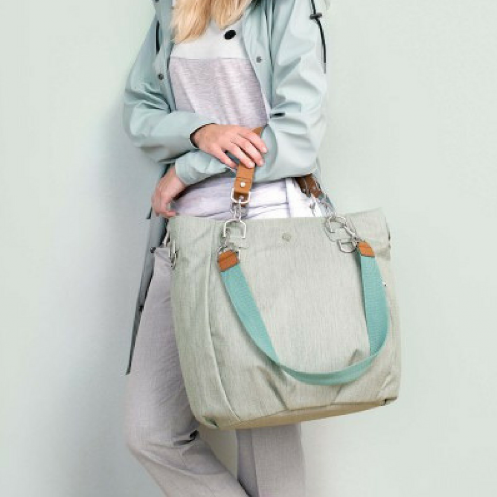 The sustainable Mix & Match bag has several compartments and can be worn three different ways. Image credits: Lässig USA