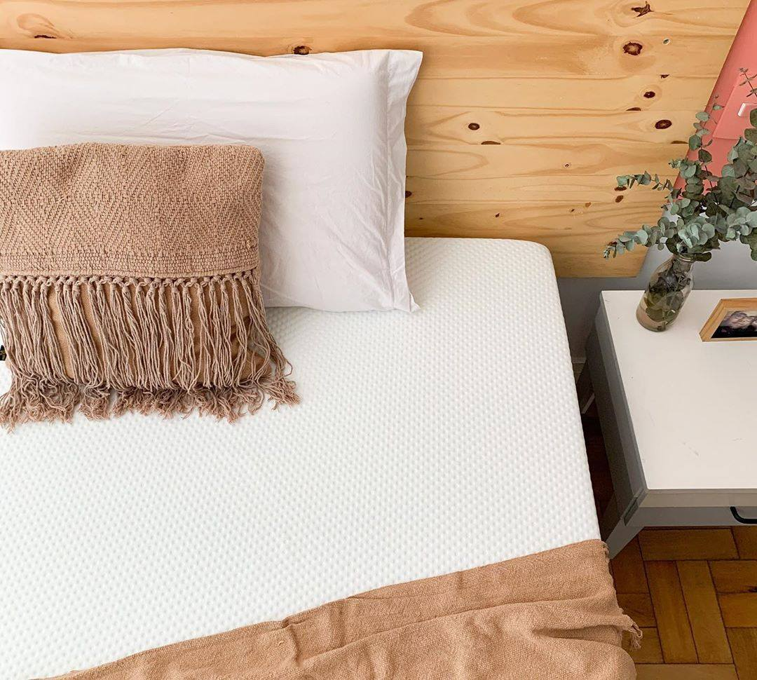 Emma's Original Mattress provides full body support and is breathable for a cool, comfortable night's rest.