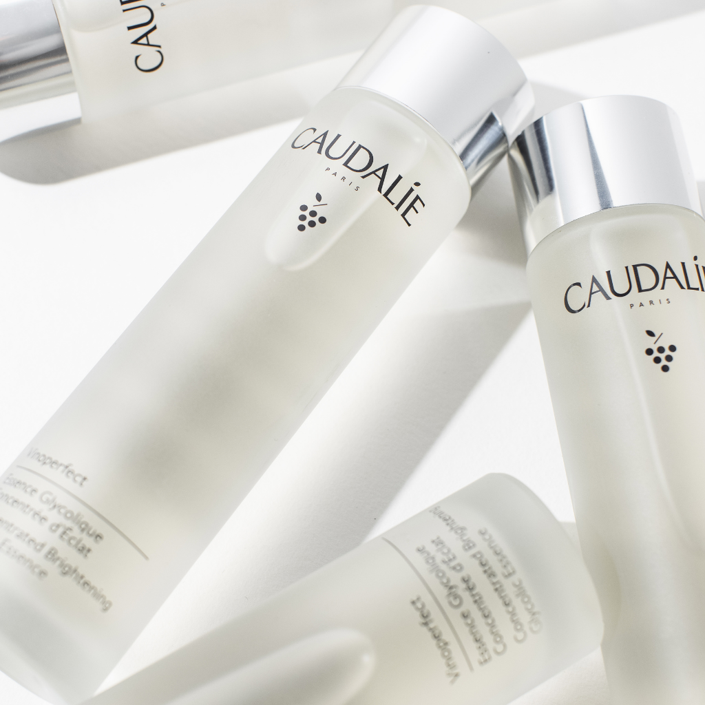 An Asian-inspired radiance ritual, that brightens and revitalises the glowing skin.